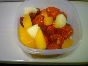 The Girl made me a mean fruit salad.  Deee-licious!