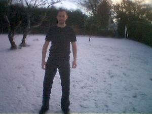 I\'m back home for Christmas, and we\'ve have snow on the ground, as well as flurries all afternoon.