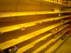 Tonight I popped in to my local supermarket for some salad, bread -- you know,  normal kinds of things.  The shelves were *bare*.  There was absolutely NO salad, and only  a few loaves of bread left.  What\'s going on???